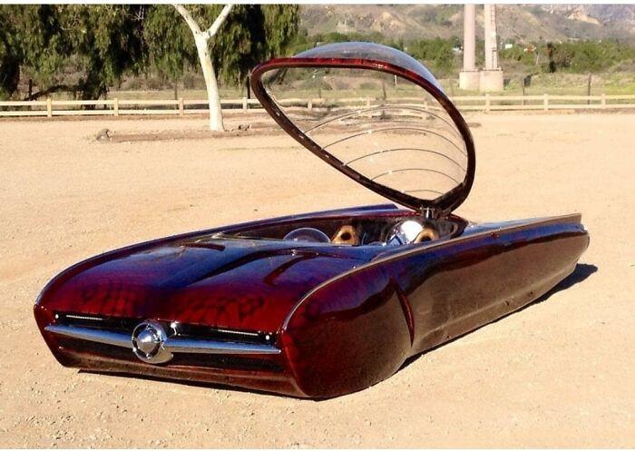 Очевидно, если машина без колёс, она должна летать! Концепт-кар из 1970-го